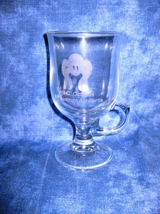 Een gegraveerd glas