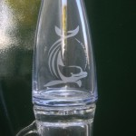 Water of wijnkaraf gegraveerd