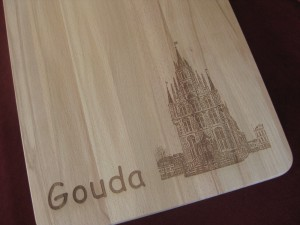 Snijplank met het stadhuis van Gouda