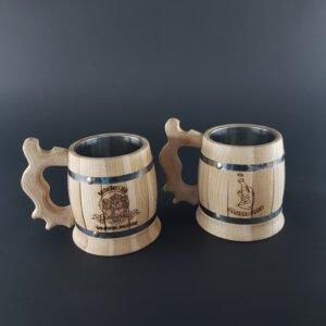 Gegraveerde houten bierpullen